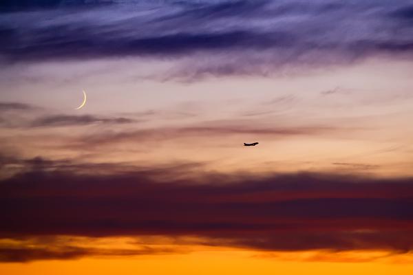 IMAGE: http://www.iesphotography.co.uk/sunset_plane_wm.jpg